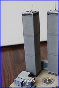 9/11 DANBURY TWIN TOWERS World Trade Center COMMEMORATIVE Decoration Statue 2001