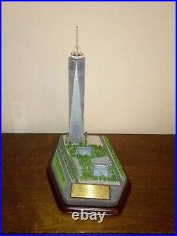 Danbury Mint One World Trade Center NYC Commemorative Statue Freedom Tower