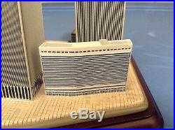 Danbury Mint Twin Towers 2001 Commemorative World Trade Center 9 / 11