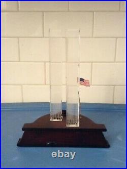 Danbury Mint Twin Towers Crystal Commemorative World Trade Center 9 / 11