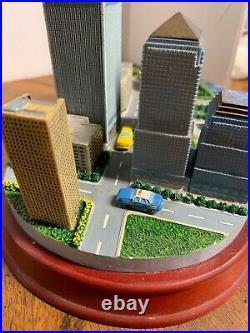 New York World Trade Center Statue 1973-2001 Twin Towers Ceramic Decoration