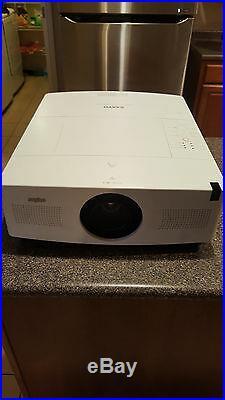 SANYO Plc-wtc500al LCD Projector WXGA