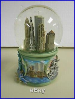 World Trade Center Snow Globe San Francisco Music Box Co. New York, NY EUC
